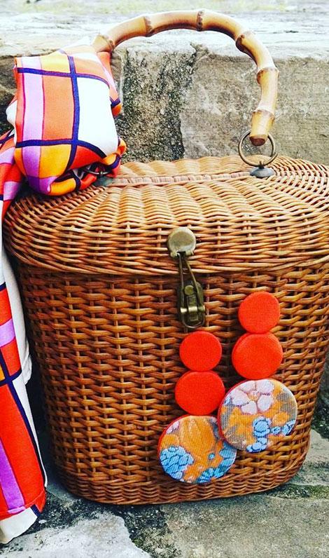 Orecchini in tessuto arancioni colorati