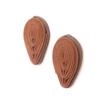 orecchini in pelle color cammello