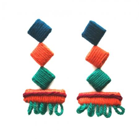 orecchini in lana da sfilata